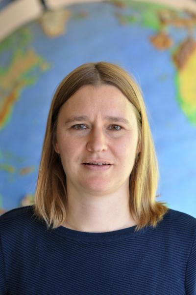 Regina Laksa (Klasslehrerin)